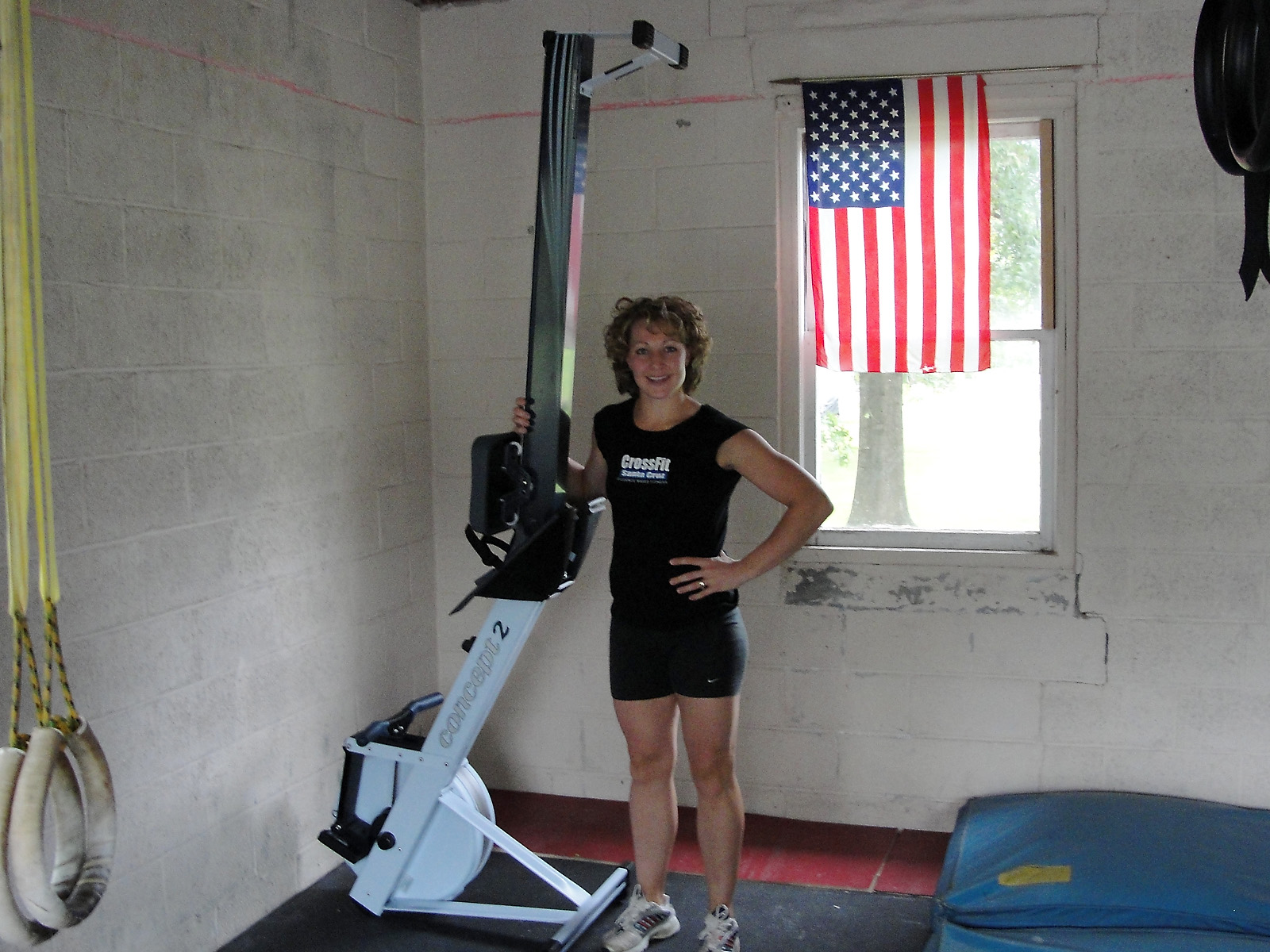 http://games2009.crossfit.com/C2GivesTanyaRower.jpg