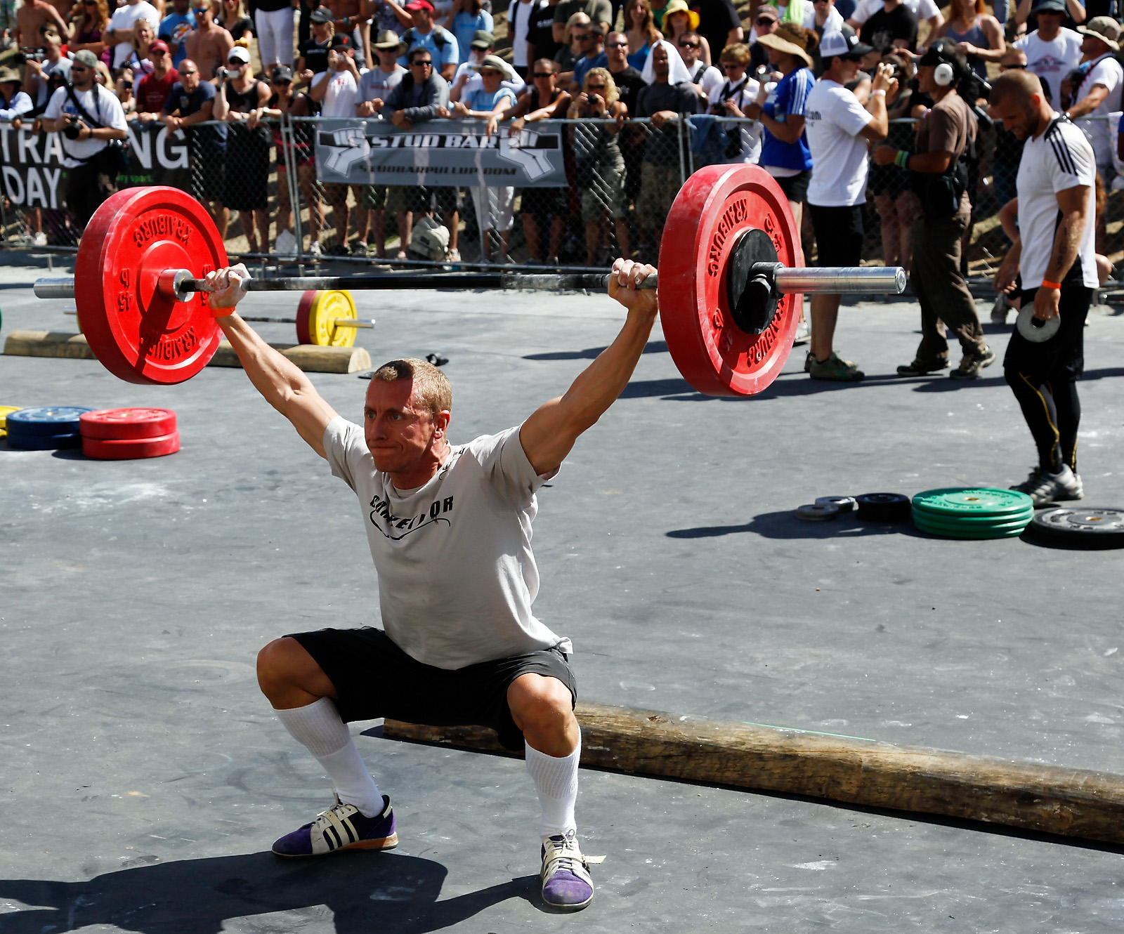 http://games2009.crossfit.com/Games09_OPT_Snatch.jpg