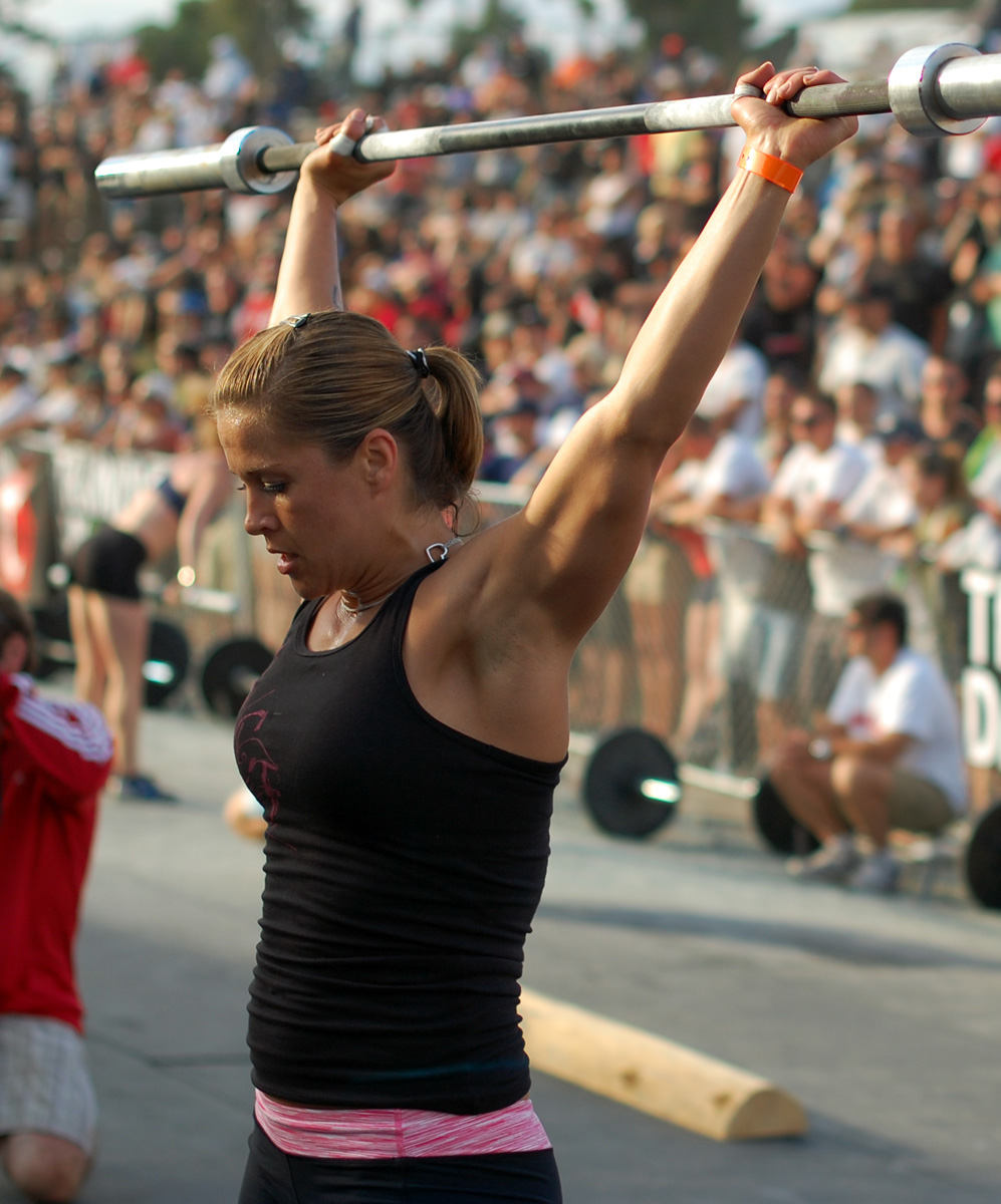 http://games2009.crossfit.com/Games09_WomensCoupletHeat2.jpg