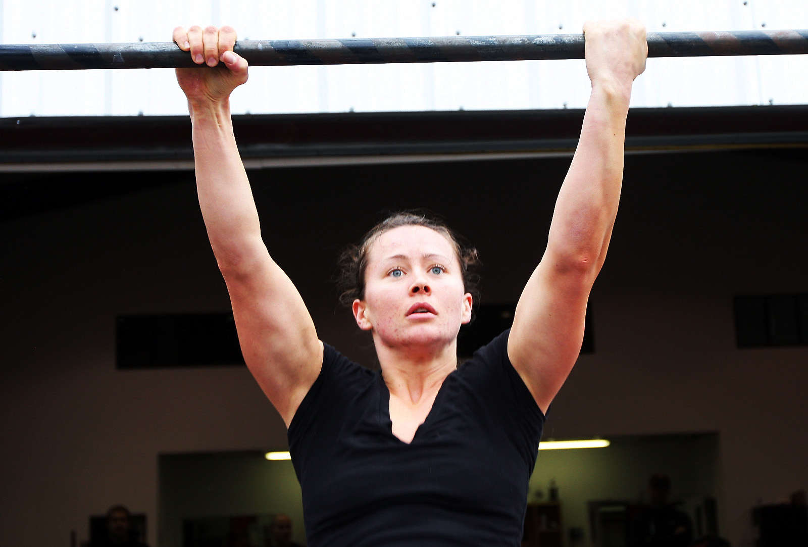 http://games2009.crossfit.com/Polly_pullup.jpg