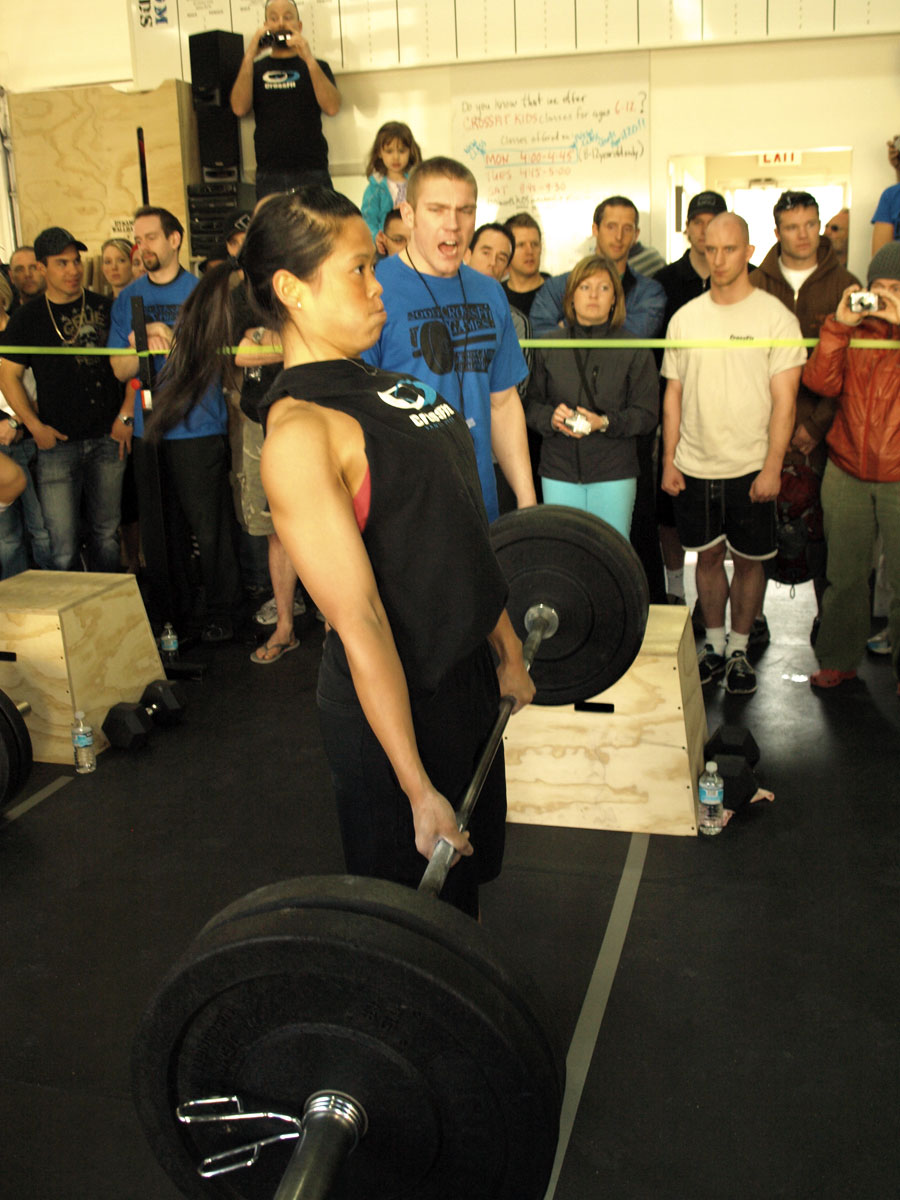 http://games2009.crossfit.com/joy-nguyen-deadlift2-ch.jpg